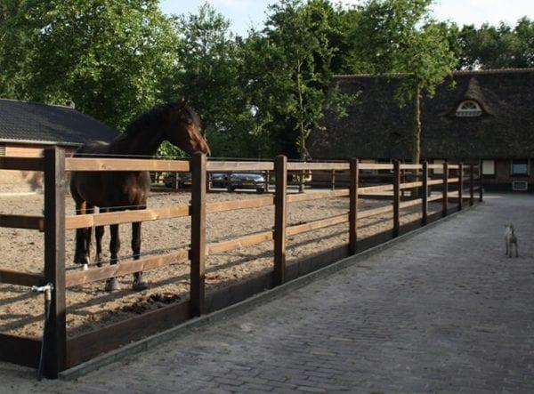 paardenbak omheining, gecreosoteerd met 3 liggers, afrastering paddock