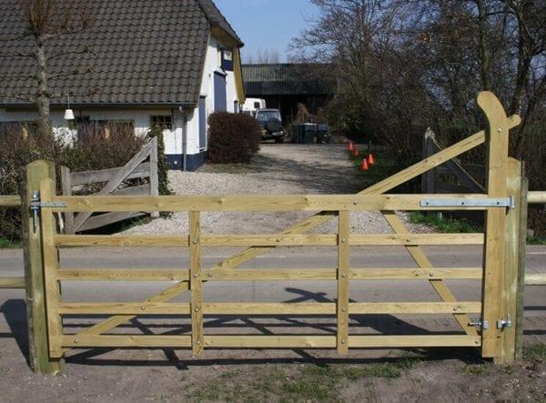 Engelse poort met boog wales