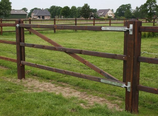 enkele houten poort - gecreosoteerd