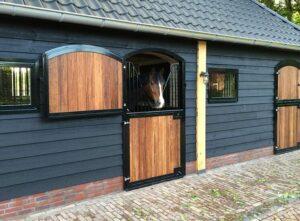 Luxe dubbel buiten staldeur, paardenstal, paardenbox