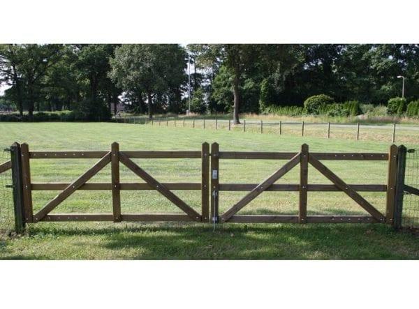 Zware houten poort, budget uitvoering (Type Tana)