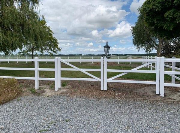 poort voor kunststof omheining - kunststof poort