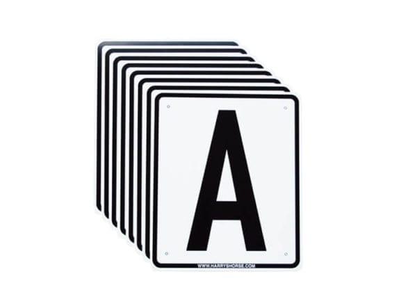 Rijbakbordjes dressuurletters - rijbak letters 20 x 40 - Manageletters