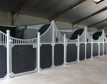 Paardenboxen met een klassiek design